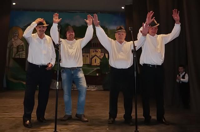 Pevacka grupa kud jelica